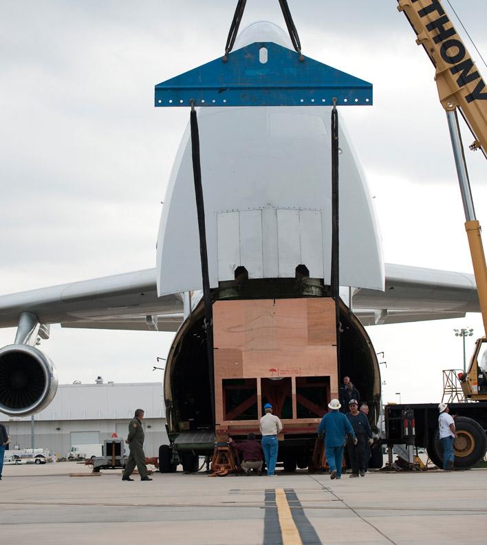 cargo-plane-unloading